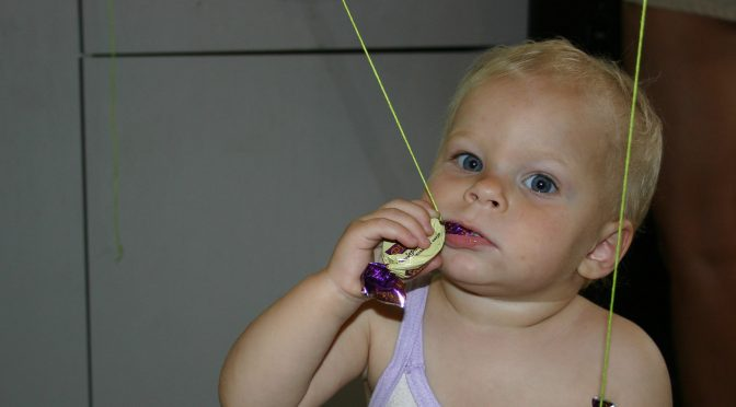 А ваши дети едят стекло?
