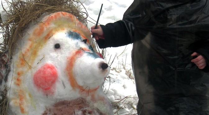 Красим снеговиков