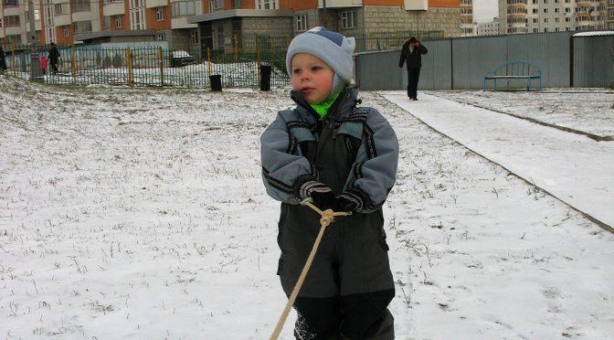 Научить ребёнка кататься на беговых лыжах
